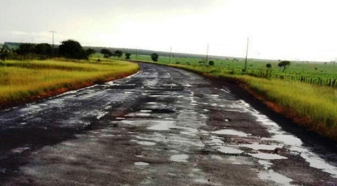 Governo assina em julho contratos de 159 milhões para recuperar rodovias