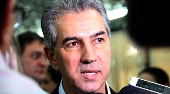 Reinaldo Azambuja sanciona lei que institui Campanha de Conscientização do uso da água