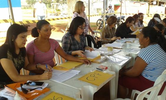 Na Capital, indígenas da Aldeia Darcy Ribeiro recebem documentos por meio de projeto