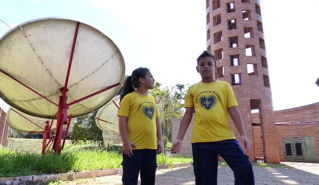 Dia da Televisão: crianças da Legião da Boa Vontade conhecem os bastidores da TV Educativa