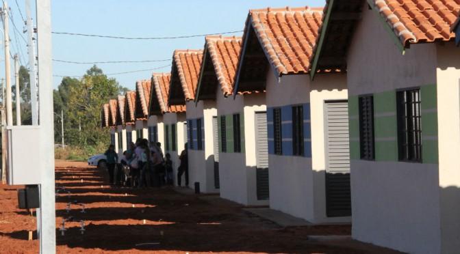 Com presença do ministro Kassab, Reinaldo entrega 688 casas populares a Campo Grande nesta segunda