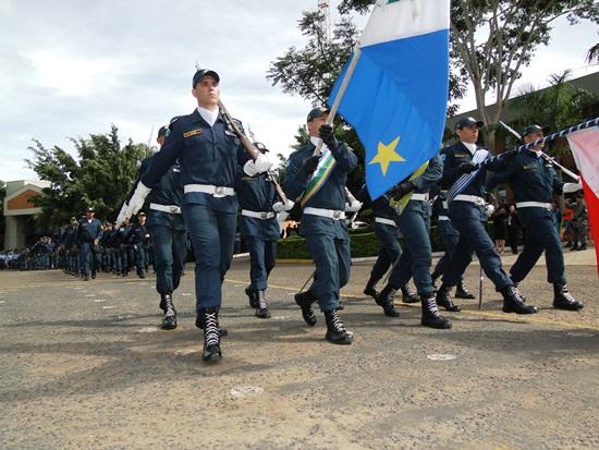 Desfile no Comando Geral marca festa dos 180 anos da Polícia Militar