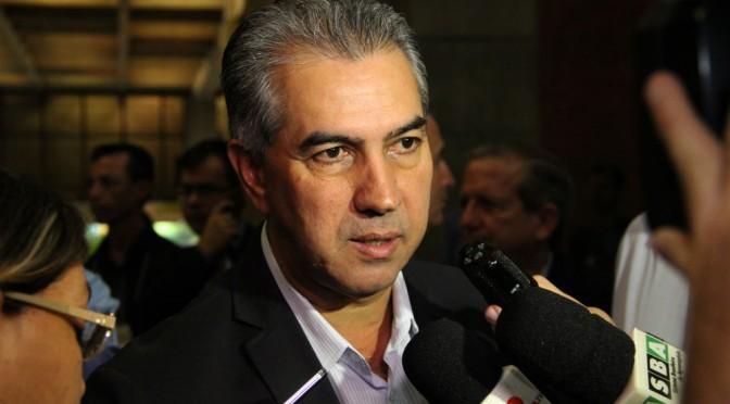 Reinaldo Azambuja participa de homenagem a servidores aposentados nesta segunda-feira