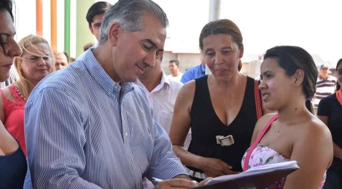 Reinaldo Azambuja conclui obras inacabadas e beneficia população de Caarapó