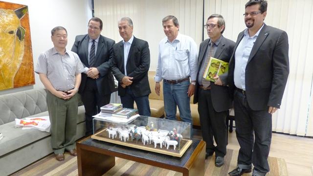 TV Pública: Reinaldo discute multiprogramação com dirigentes de emissoras do PR e SP