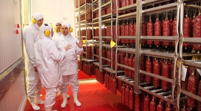 Governador Reinaldo Azambuja visita  fábrica da JBS Foods Seara em DouradosB