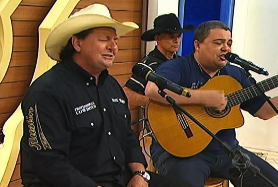 """Dupla Tostão e Guarani é destaque no """"Nossa Música é Assim"""" na 104 FM"""