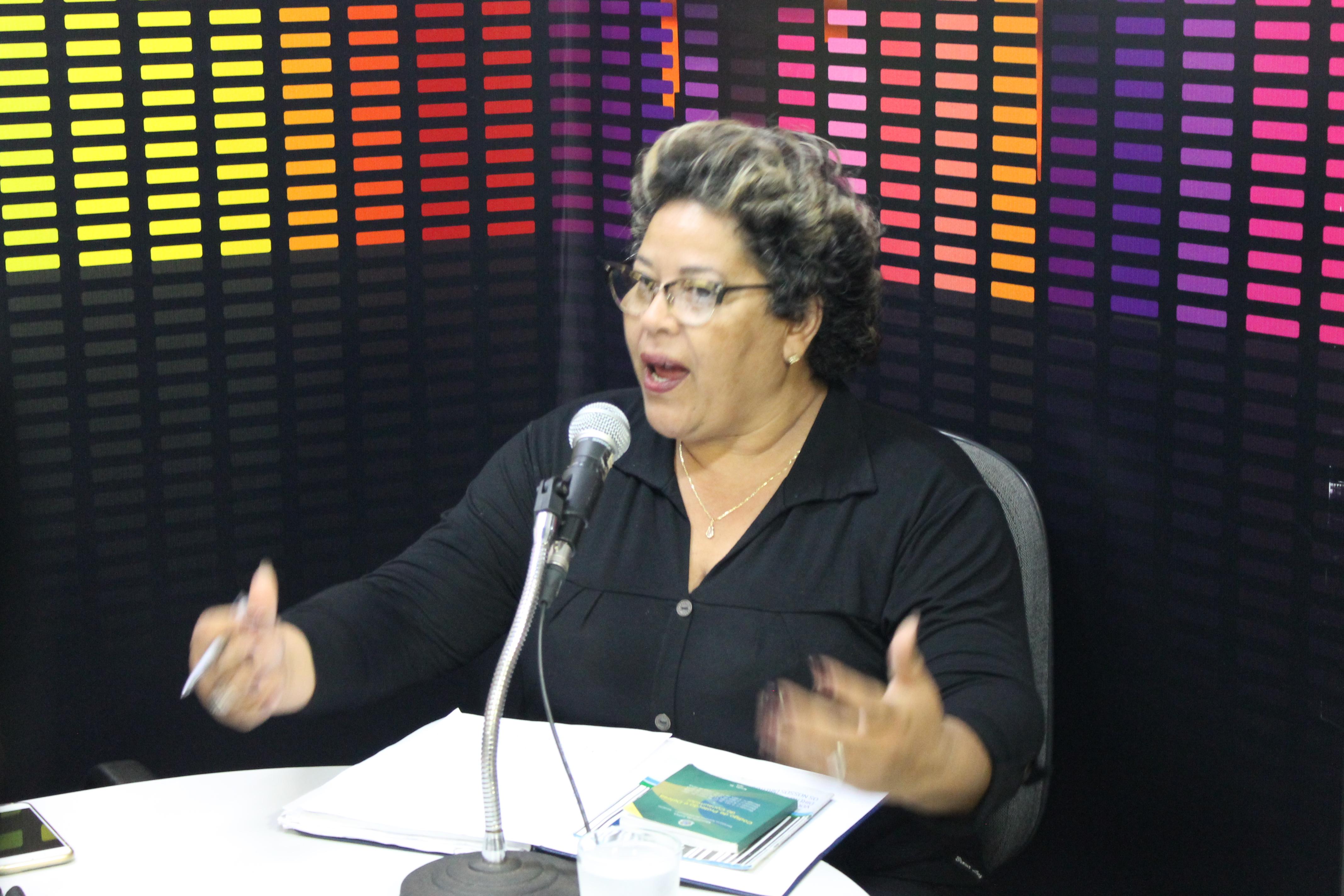 Jornal do Rádio: Entidade orienta consumidor como renegociar dívidas