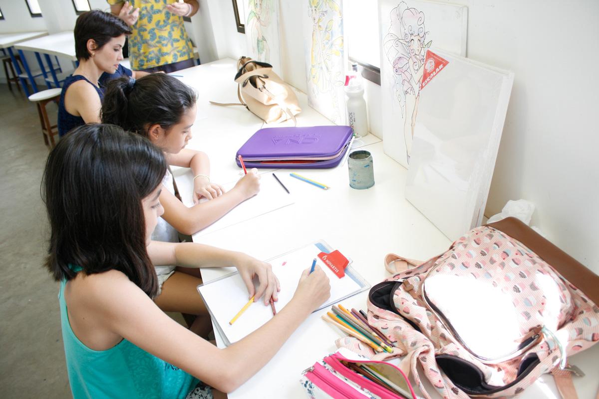 Jornal da TVE: Oficinas de férias ensinam desenho e técnicas circenses
