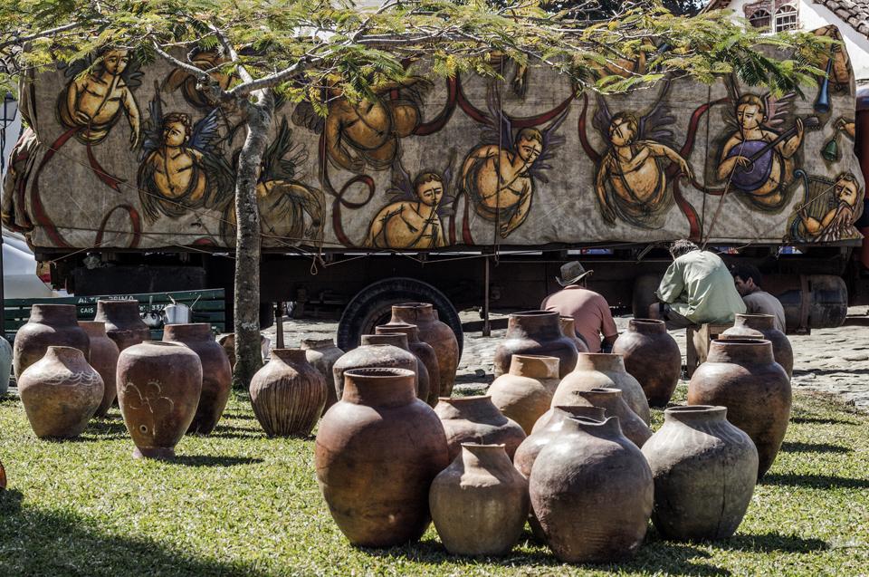 """MARCO expõe """"Céu de Querubins – Almas Gêmeas"""" de artista plástico Aécio Sarti"""