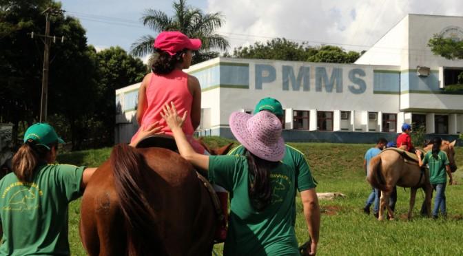 Centro de Equoterapia da Polícia Militar atende 132 pacientes na Capital