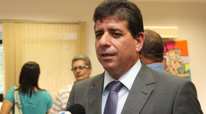 Secretário dá palestra em congresso internacional sobre saúde, cultura e educação