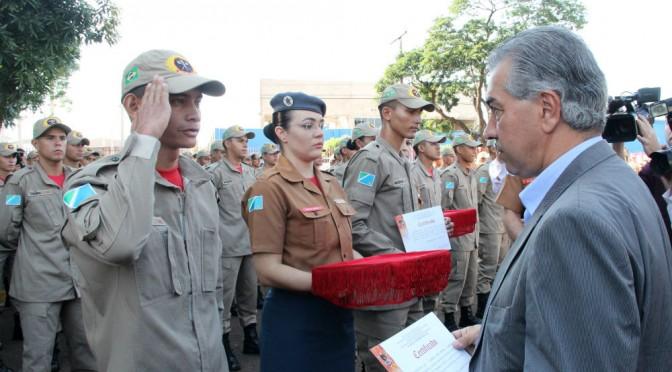 Em formatura de bombeiros, governador reafirma compromisso com reestruturação da Segurança