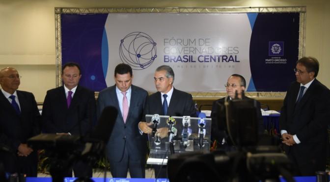 Dívida dos Estados e educação predominam nas discussões do Fórum Brasil Central, em Cuiabá