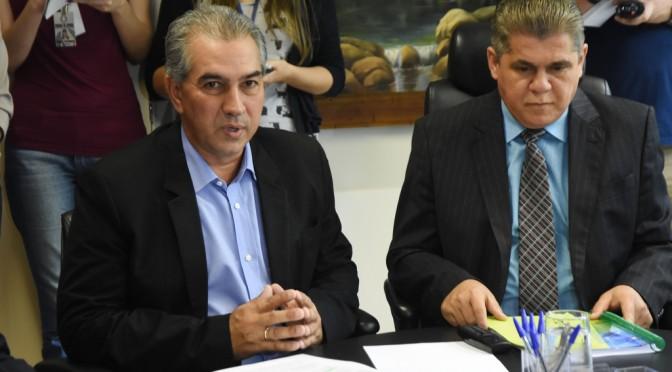 Pela 1ª vez, governador entrega pessoalmente Balanço do Estado ao TCE