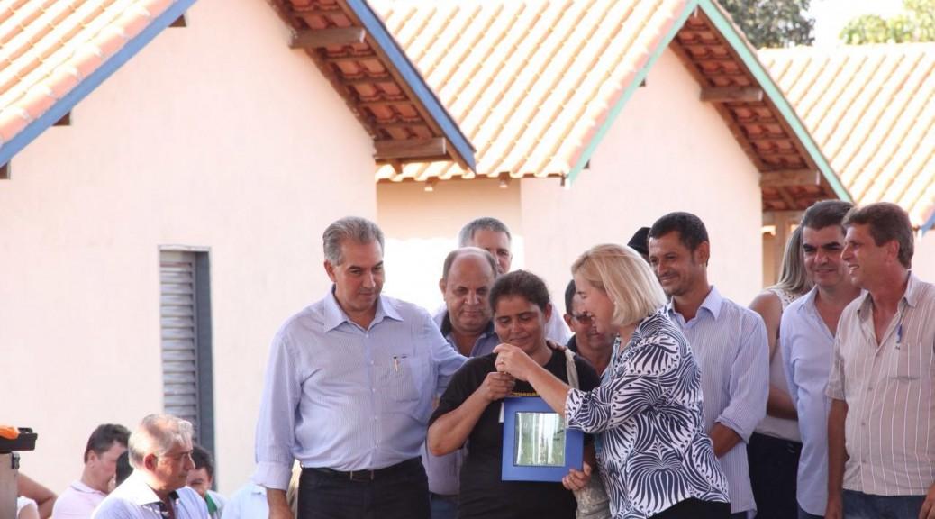 Governo conclui mais uma obra inacabada e entrega 40 casas em Dois Irmãos do Buriti