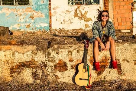 Marina Peralta lança primeiro CD em show na Concha Acústica no domingo