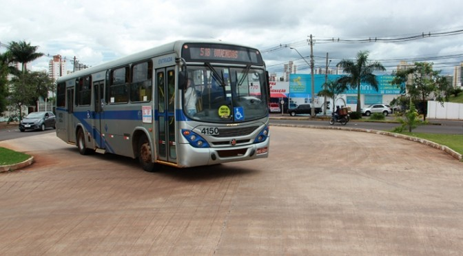 Linhas de ônibus especiais fazem transporte para Caravana da Saúde em Campo Grande