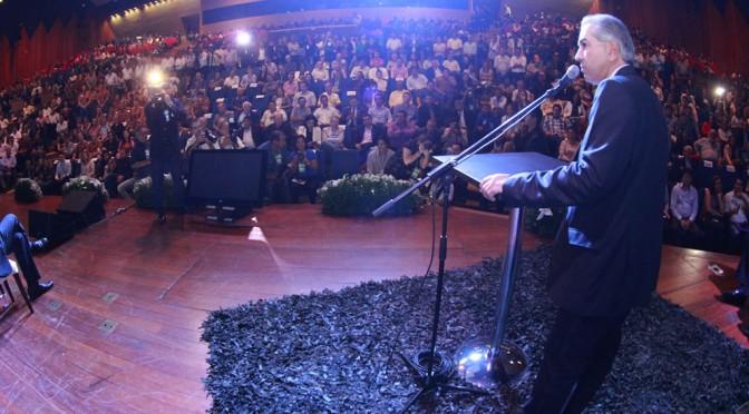 Reinaldo e deputados assinam R$ 36 milhões em emendas para 600 instituições e 79 prefeituras