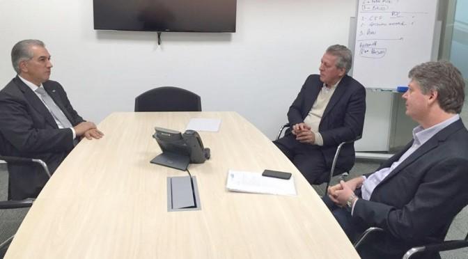 Reinaldo e presidente da Eldorado discutem investimento de R$ 300 mi em usina termoelétrica