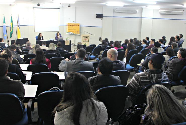 Professora da UERJ abre Congresso de Estudos Linguísticos e Literários
