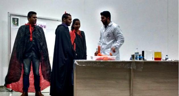 """Alunos do Ensino Médio participam de """"Show de Química"""" na UEMS de Naviraí"""