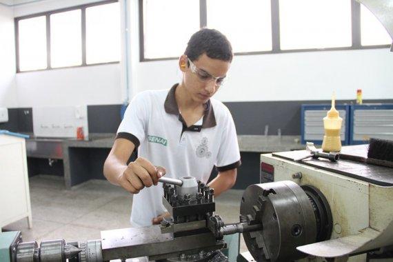 Matrículas para 12 cursos técnicos do Senai vão até o dia 8 de agosto em 10 cidades