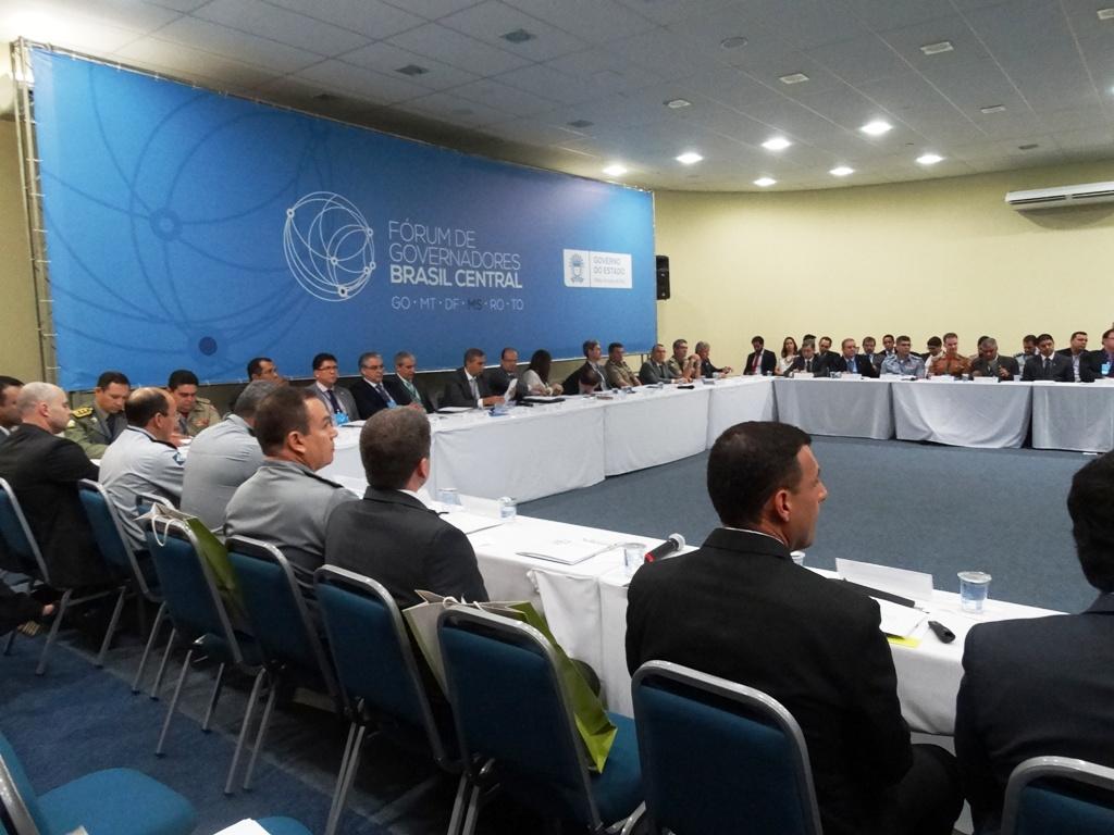 Implantação de Ensino Médio Integrado em escolas de MS é debatida no Fórum de Governadores Brasil Central
