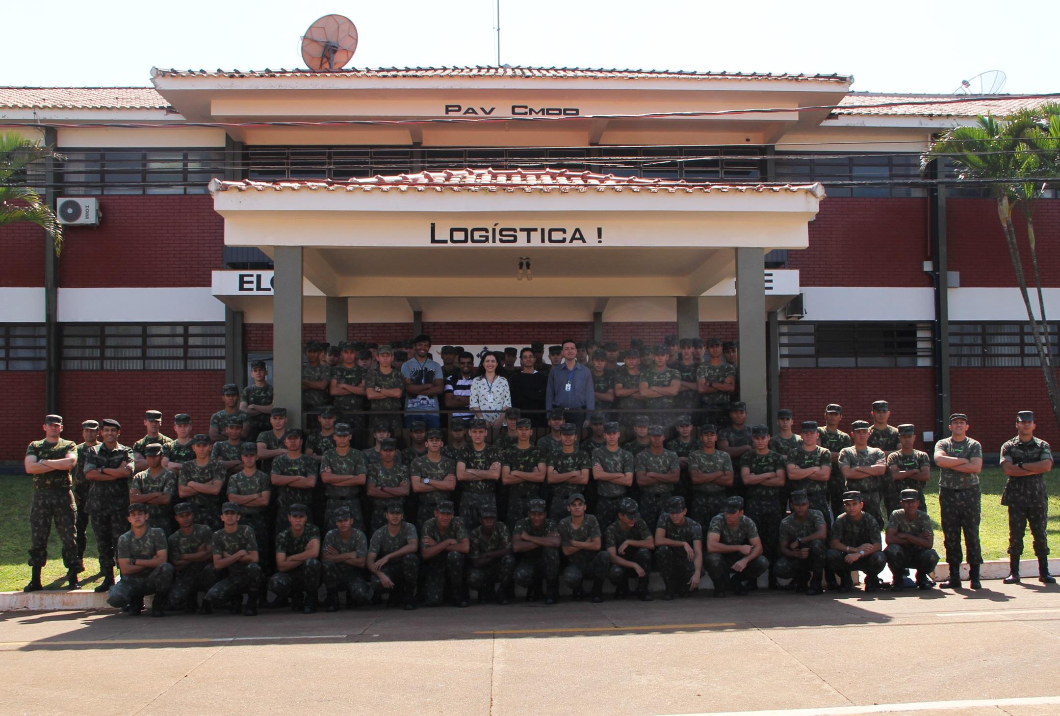 UEMS inicia cursos de informática para mais de 180 militares em Dourados