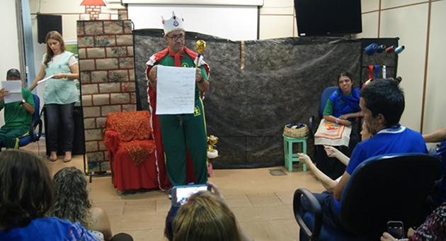 Servidores da Sedhast são agraciados com dramatização de contos dos usuários da Unae