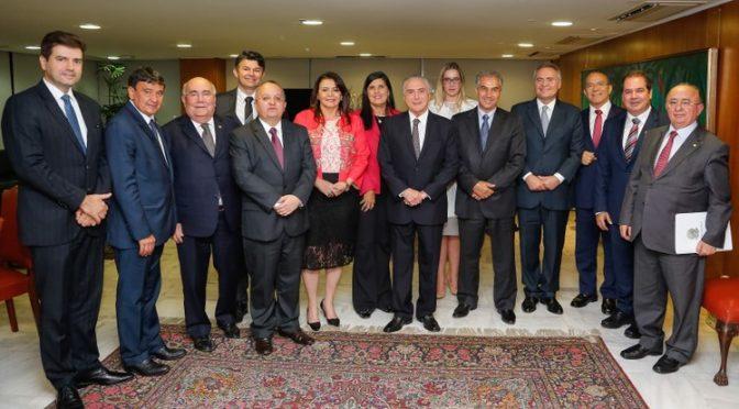 Reinaldo reforça em reunião com Temer pedido de compensação de perdas dos estados