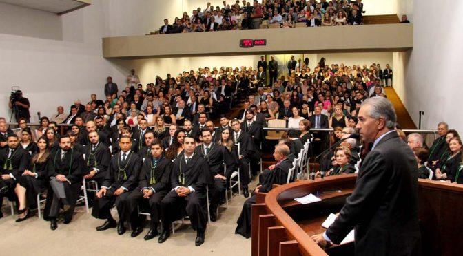 Reinaldo destaca fortalecimento das instituições em posse de 35 novos defensores públicos