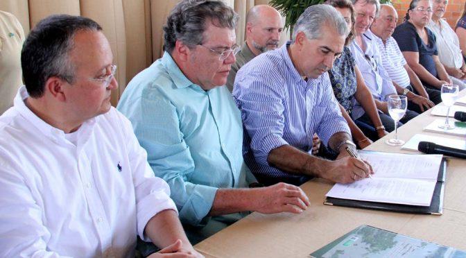 Reinaldo e Taques assinam documento que unifica leis e ações de MS e MT no Pantanal