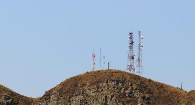 Governo simplifica licenciamento para instalação de torres de rádio e TV no Estado