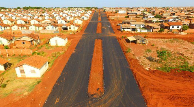 Menos de 4 meses após lançamento de obra, população já vê asfalto em lugar de cratera