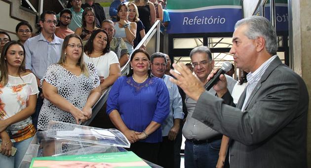 Reinaldo recebe homenagem de servidores e destaca conjugação de forças para melhorar saúde pública