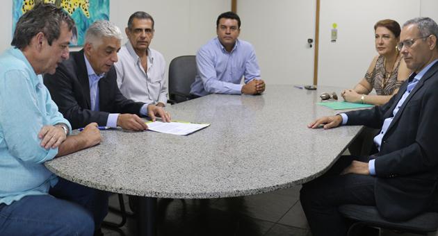 Fertel e Agepan firmam parceira para veiculação de campanhas sobre cinto de segurança