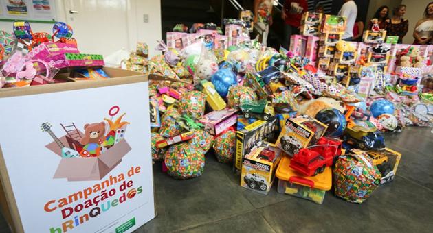 Secretaria de Administração arrecada 1,5 mil brinquedos para doação