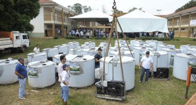 Governo de MS entrega resfriadores e ordenhadeiras para pequenos produtores rurais nesta segunda