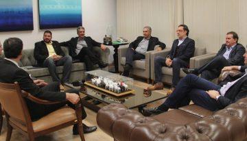 Governo e empresários do ramo do vestuário tratam de instalação de indústrias em Três Lagoas