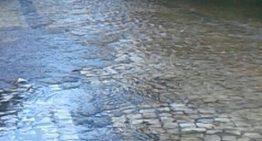 Fotos: nível de rios sobem e invadem estrada de acesso do Balneário Municipal em Bonito