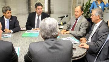 Governador entrega na Assembleia projeto de Lei Complementar que convalida incentivos fiscais