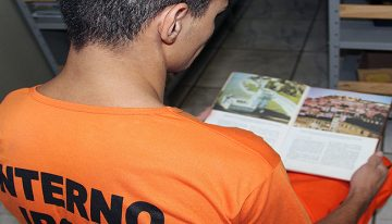 Com mais de 30 mil livros em bibliotecas de presídios, Agepen estimula leitura entre detentos