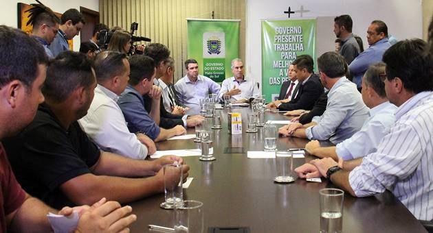 Governador anunciou corte na alíquota do ICMS após reunião com representantes do setor produtivo e da sociedade civil. (Foto: Chico Ribeiro/Subcom/Segov)