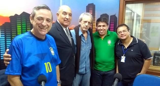 Albino Romero (segundo à esquerda) detalhou projeto de ampliação da Associação Colônia Paraguaia. (Foto: Rose Rodrigues)