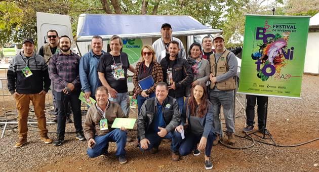 Equipe da TVE Cultura e do Portal da Educativa já estão em Bonito para transmissões do Festival de Inverno e produção de reportagens. (Foto: Fertel/Divulgação)