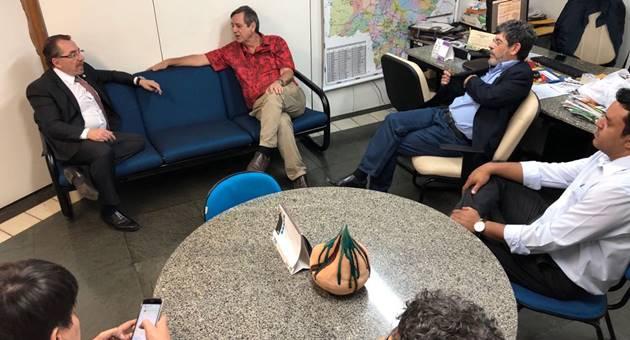 Mansour Karmouche visitou a direção da Fertel e participou de gravação do projeto Memórias. (Foto: Fertel)