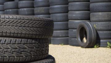 Borracha de pneu é testada em placa cimentícia para melhor conforto térmico