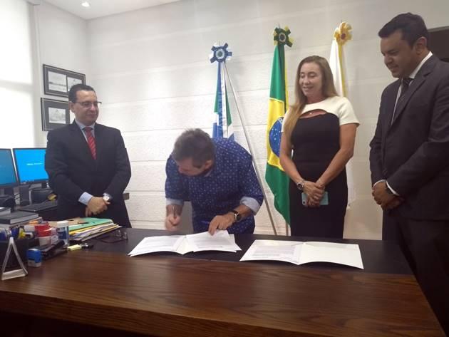 Convênio prevê apoio do MPMS à Fertel, que por sua vez veiculará programas do Ministério Público. (Foto: Humberto Marques)