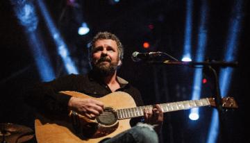 O músico Emmerson Nogueira vai se apresentar na Capital no Palácio Popular da Cultura